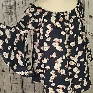 Bobeau NWT blouse XLP Bell sleeves off shoulder